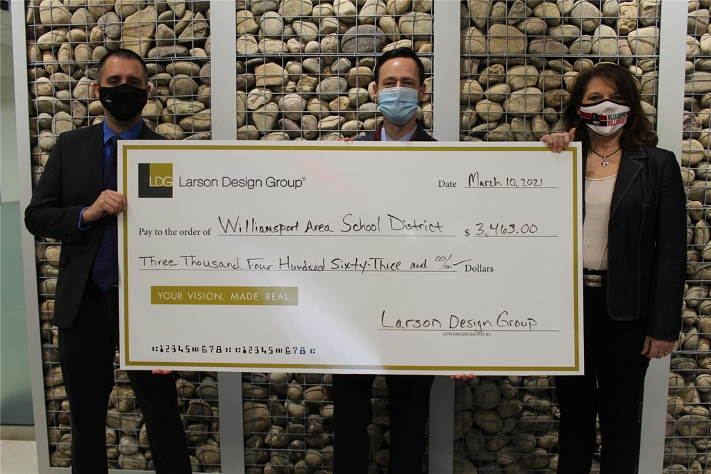 LDG Check Presentation Photo 2021
