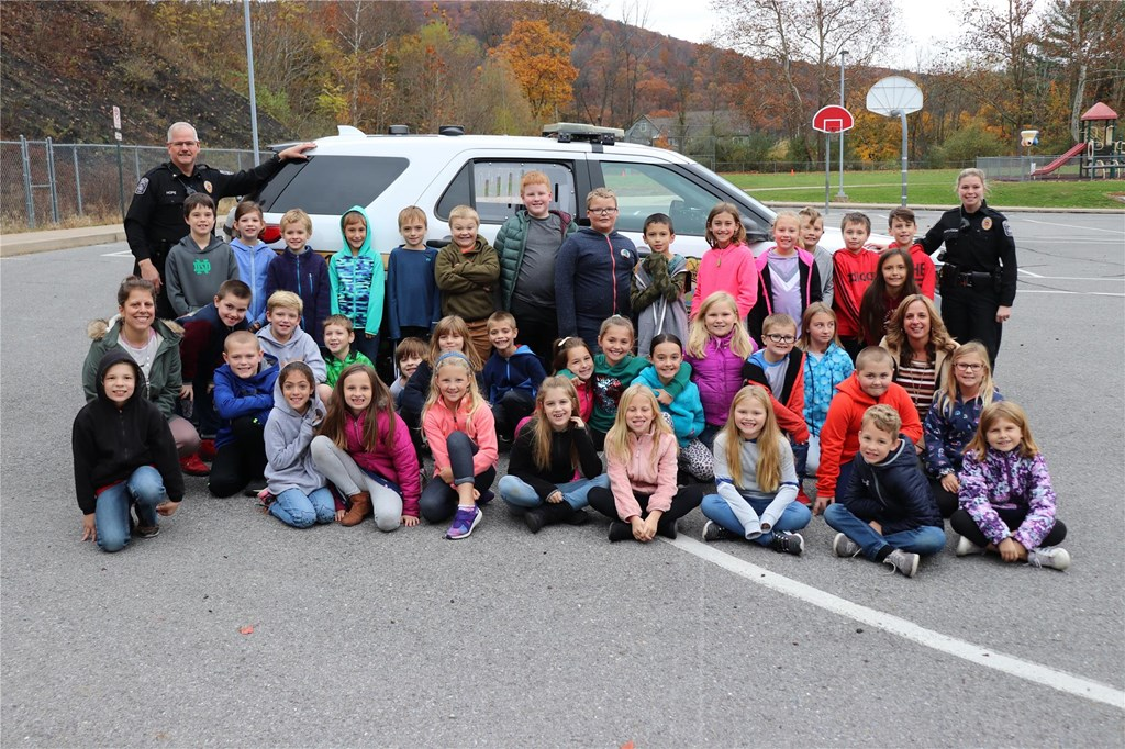 Old Lycoming Twp. Police with Students