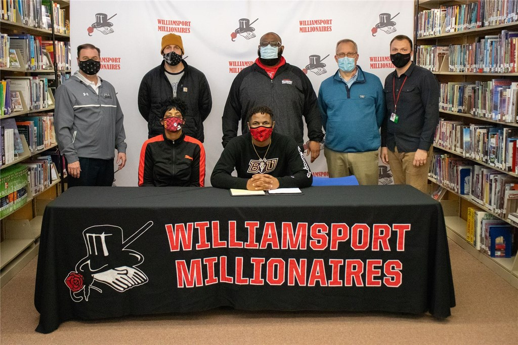 Nassir signs with Bloomsburg University.